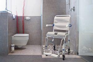 Dusch- und Toilettenstuhl Ocean Fa. Invacare